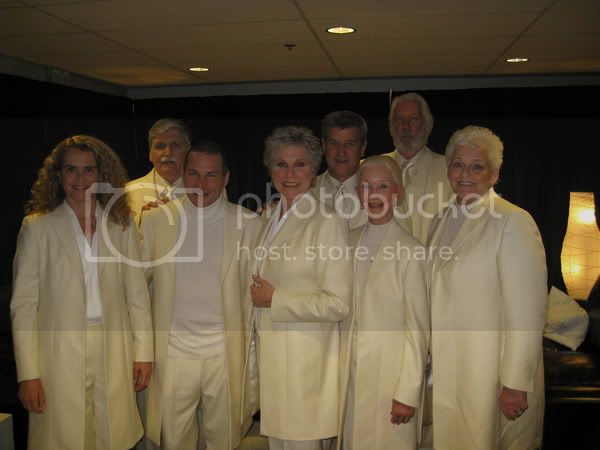 Anne Murray with 2010 Olympic flag carriers